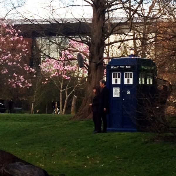 Look who landed behind the college last night! #tardis #DoctorWho http://t.co/o7oVHqbCWz