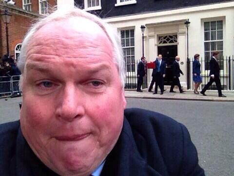 Adam Boulton has just done us all a favour . He's single-handedly put an end to selfie craze http://t.co/bi3ZEpv2SA