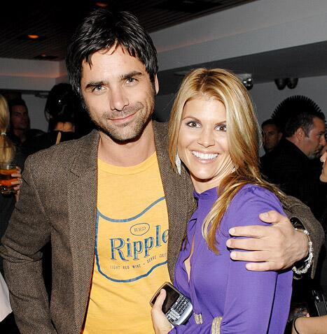 Lori Loughlin explains why she and John Stamos never got together: http://t.co/uvi4Mu9KCQ http://t.co/yoJOQZ8irP