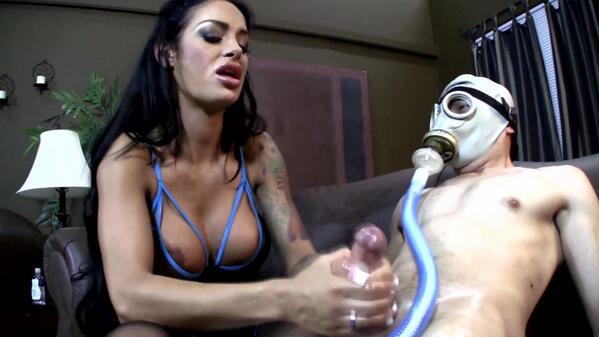 RT t4Fb2newcf Angelina Valentine #milking & #teasing #gasmask sub w/ #femdom