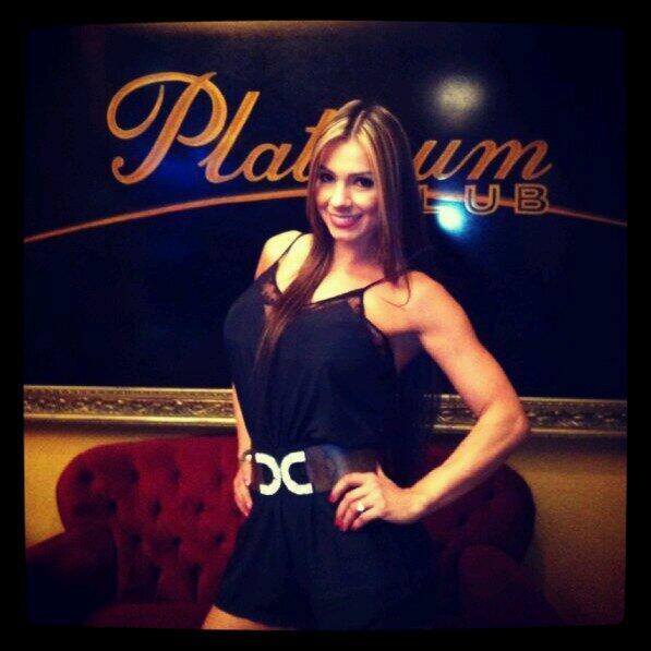 En la previa del ensayo en club platinum Santiago de Chile http://t.co/L9HM8RvLNR