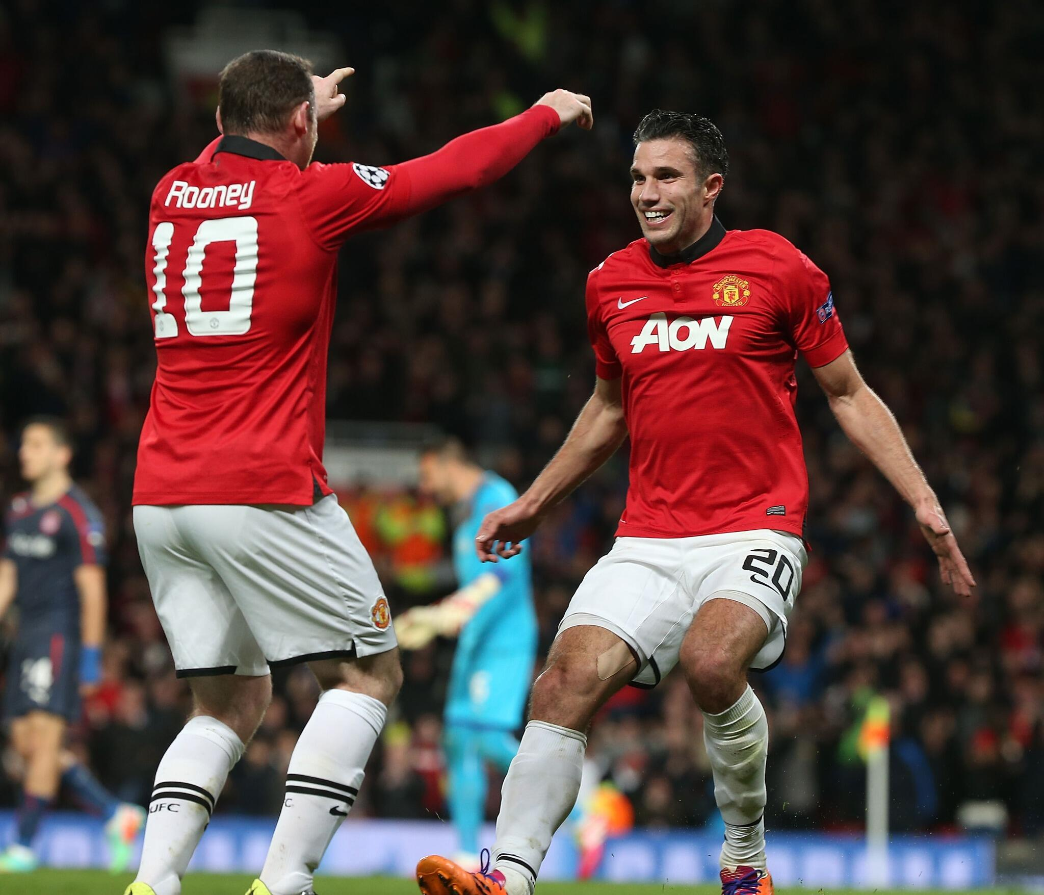 FT: #mufc 3 Olympiacos 0 (3-2 aggregate). Yes! Van Persie's hat-trick fires us into the @ChampionsLeague's last 8. http://t.co/UJ8WSM7e3J