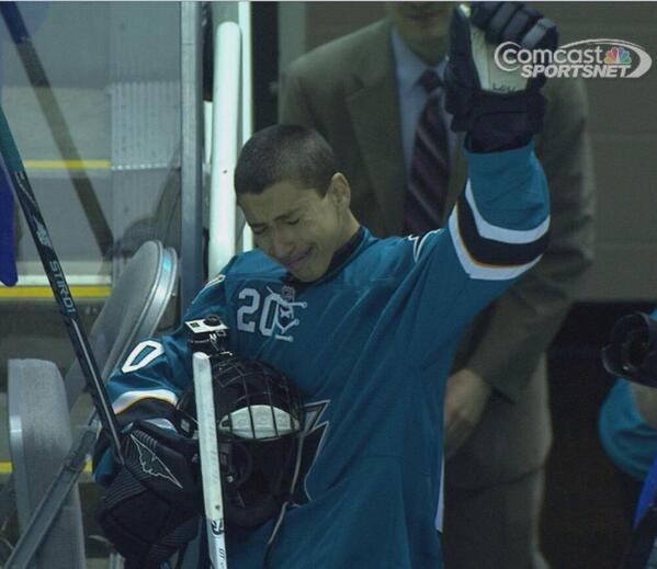This is why hockey is the best sport in the world #MakeAWish #Class http://t.co/01PclFsMEs