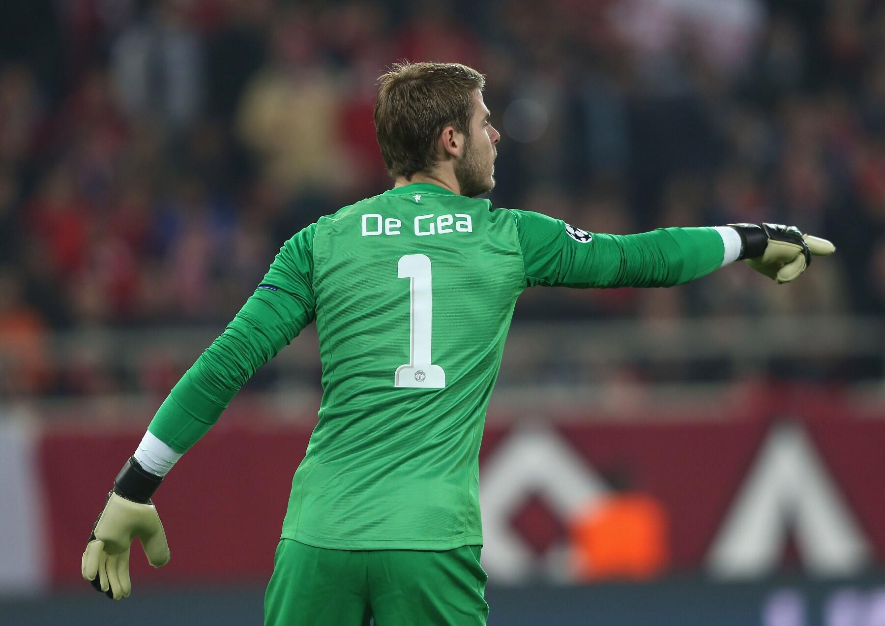 Man of the Match 1/3 - Retweet this if @D_DeGea gets your vote for #mufc against Olympiacos. http://t.co/Dxl0WvG1hR