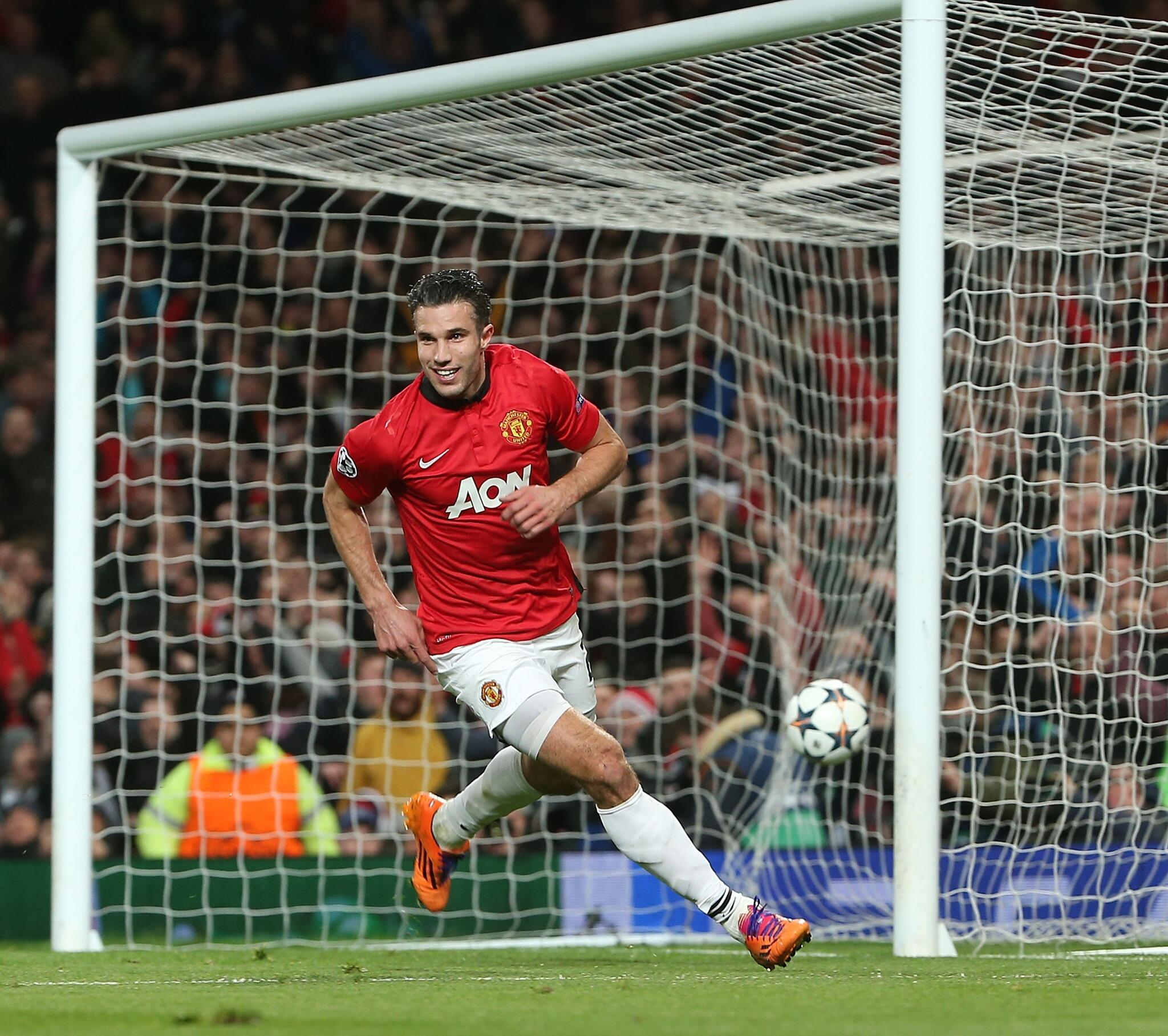 Man of the Match 3/3 - Retweet this if @Persie_Official gets your vote for #mufc against Olympiacos. http://t.co/flAniy9TeZ