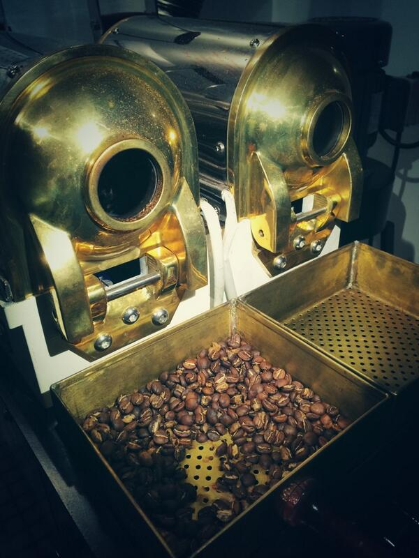 After a couple days in Guate, now @caravelacoffee in NC. Late night roasting samples from Nica & Guate http://t.co/ILXfwUiApO