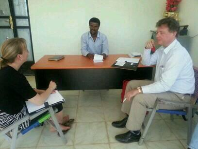 @RonaldvKrieken & Rieta agripoolets at Dansha union receiving briefing form new manager suported by @Agriterra http://t.co/8g53gY3Uhn