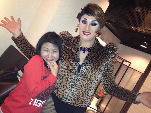 大好きな梅田のdmwithcafeにてナジャグランディーバさんに会いにきました。ほんま好きや〜 http://t.co/TU9XDBXrDm