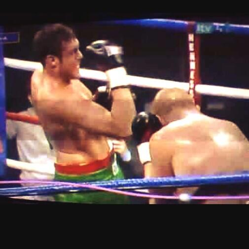 @Tyson_Fury you ain't got no table manners! Your only a mug who uppercuts himself http://t.co/IqKdaH25dO