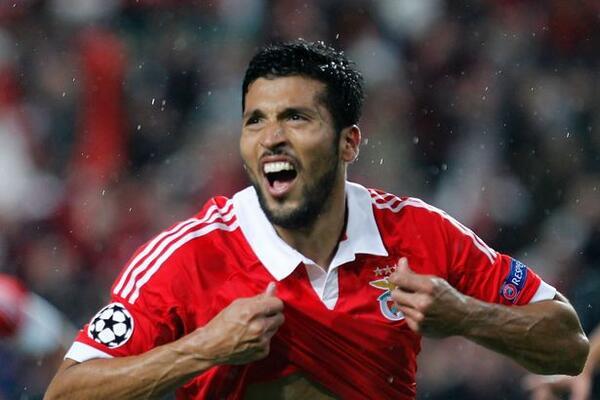 BjMPIlECAAAFc3A Spurs eye up Benficas Ezequiel Garay as replacement for Jan Vertonghen [Daily Express]