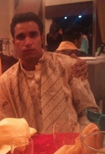 BjMlYqICIAEsr3a Robin van Pursingh! An Indian man is the spitting image of Man Uniteds Dutch striker [Picture]