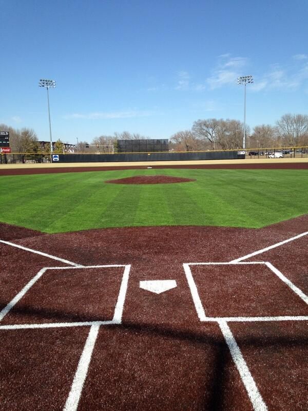 Iowa Baseball (@UIBaseball): First practice on the new turf!  #Hawkeyes http://t.co/iOafZpevPG