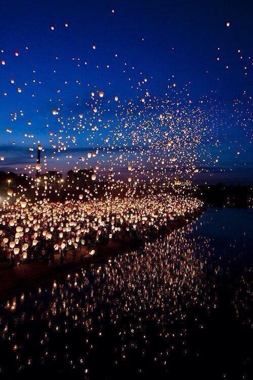 Floating Lantern Festival, Thailand http://t.co/6miYpvUaRW