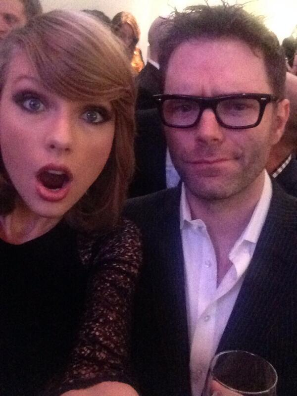 Bobby Bones (@mrBobbyBones): So Taylor is here doing selfies w me http://t.co/OkhOUC5CNB