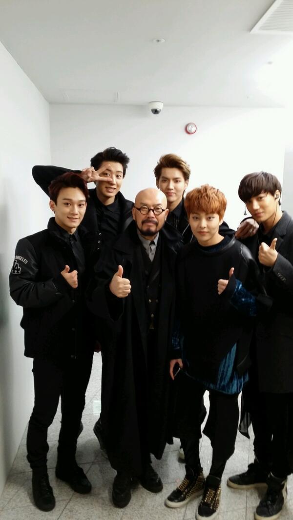 EXO  엑소와의 해후는 언제나 즐겁다 http://t.co/veoNB6CBty
