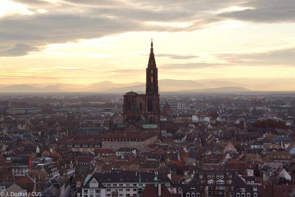 Strasbourg... vue du ciel ! http://t.co/qdrbeOiNsz