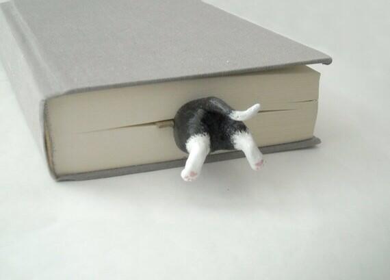 この猫しおり欲しい…。 http://t.co/IvaRJmTzHe