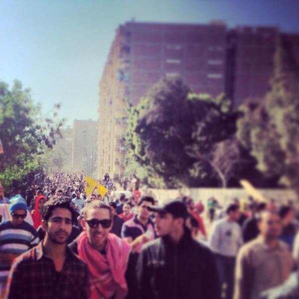 Hundreds of anti-coup protesters moving thru Cairo earlier tday. Men, women, children. Peaceful. #Egypt http://t.co/R6T8VgHC3V