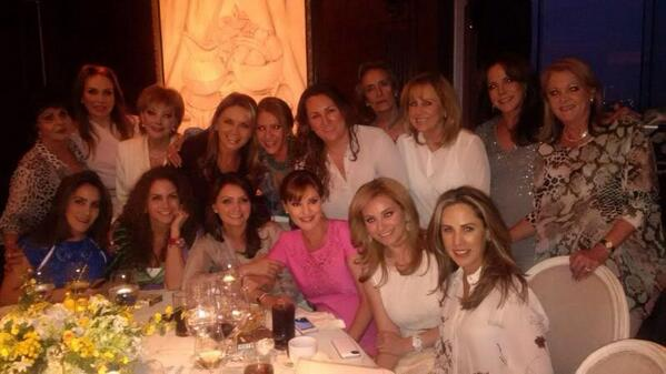Gracias: Angélica, Rosaura, Luceros,Daniela, Mama,Gaby,  Elizabeth, Sandra, Susy, Karla,Josefa,Anita,Ale,Silvia. LY❤️ http://t.co/XFhYAvBpq3