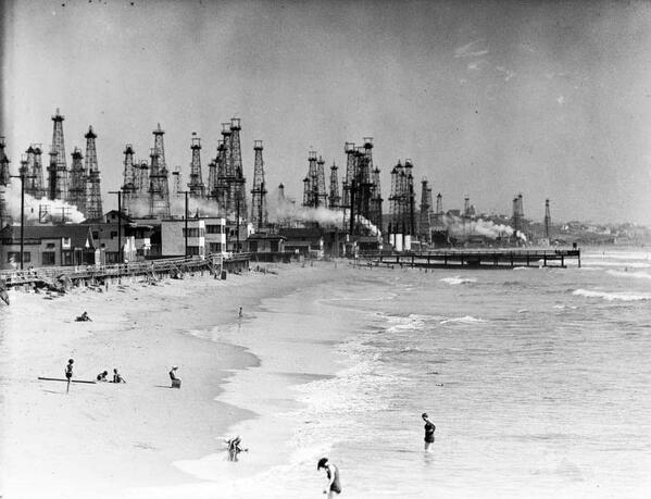 Los Angeles was once a forest of oil derricks. http://t.co/46Nrvc7mUP http://t.co/T1K2o0pBOp