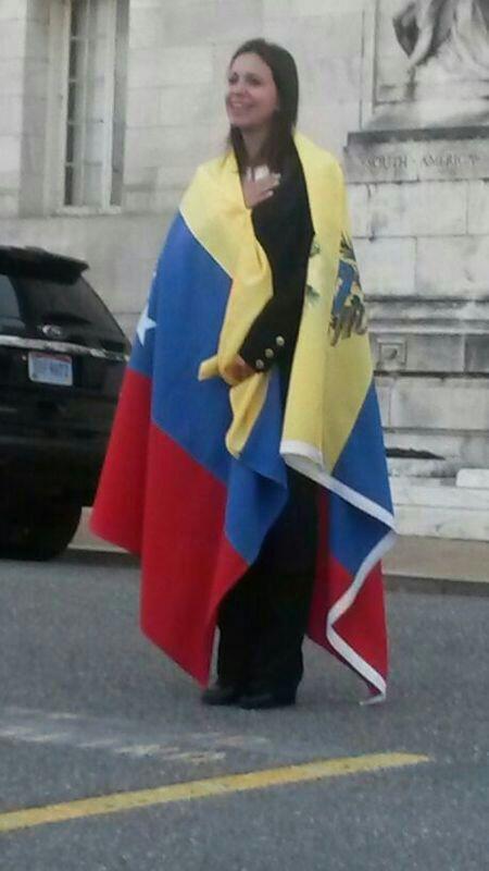 Gloria al Bravo Pueblo!!! http://t.co/ZbE4EE9tH5