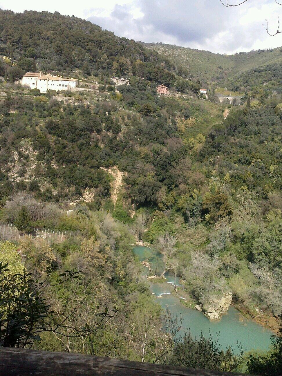 RT @MCaragliano: Tivoli, Parco di Villa Gregoriana. Giornate di Primavera del @Fondoambiente http://t.co/vFKq1epxP6
