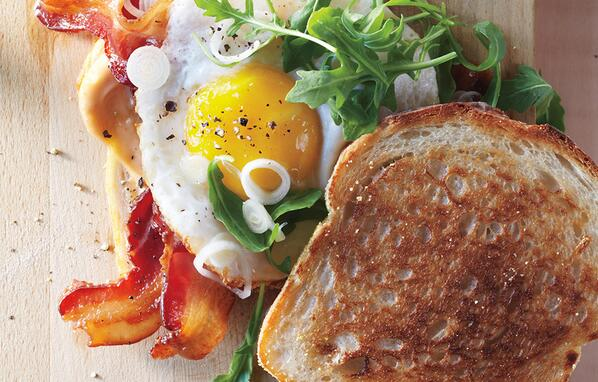 Enjoy 1st weekend of spring w/ @bonappetit Bacon & Egg Sandwiches with Pickled Spring Onions http://t.co/8gdIy8pmZV http://t.co/Byx75rFr1r