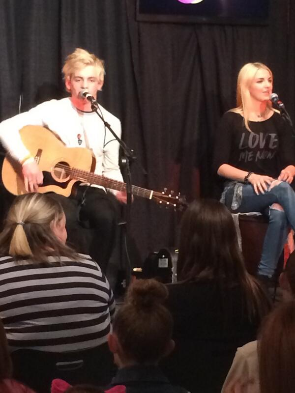 Woo!!! R5 is in the building! #R5onZHT@ajradio http://t.co/KgfSEc3Z0x