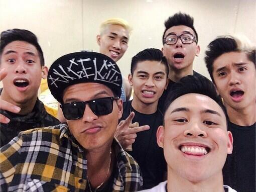 One of the best nights ever! #BrunoMarsMNL #lazysong @POREOTICS  @BrunoMars http://t.co/Z0Fp8ojDzg