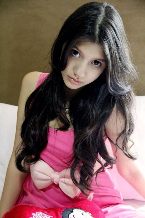Cassandra sheryl lee (@cassandrasleee): In the hotel in Makassar now..see u guys at the partyyy. @andidianita1 http://t.co/TBhX0hPDgc