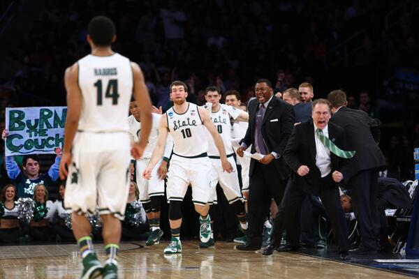CWP (@PatrickCWP): izzo seems engaged http://t.co/35ekoOChXd