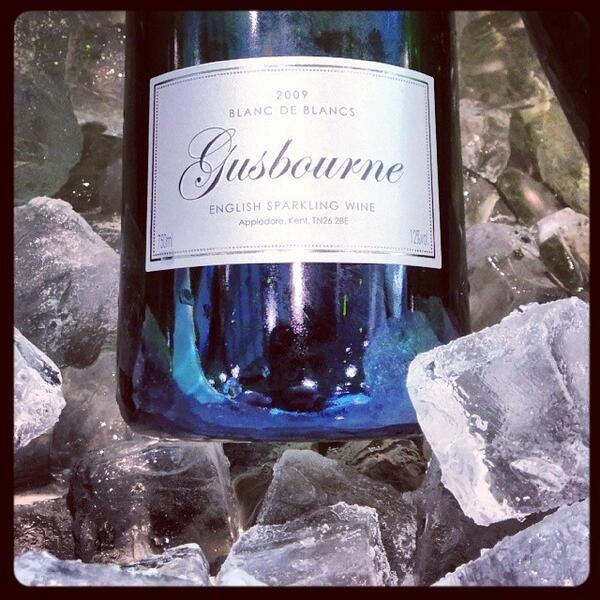 Fantastic English sparkling wine tasted at #prowein with @charlieH_wine of @gusbourne http://t.co/4wsRE3a0lY http://t.co/n4RuptRhcI