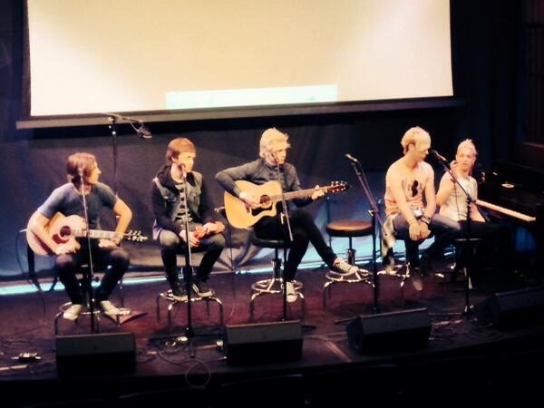 THIS is happening. #R5ers #R5family http://t.co/sPulXinOEy