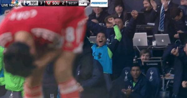 BjbOrAXCEAADqhR Tim Sherwood & the Spurs bench went mental... Paulinho just looked glum!