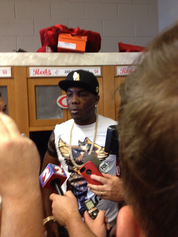 A smiling Aroldis Chapman. Says he feels great. #reds http://t.co/W1owT9cRiQ