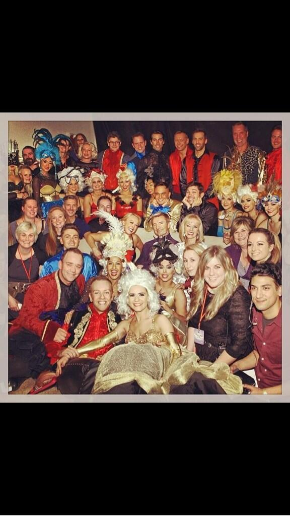 Taken just before our very last show.Thank you for 9 years of fantastic memories! Looking forward to @DOILiveTour ! X http://t.co/ReY50ePTiX