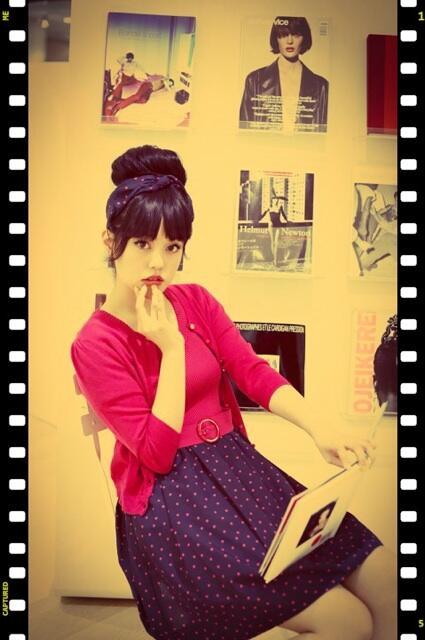 青柳文子さんが着こなすシネマガールスタイル♪60年代の女優風なフレンチポップなスタイリングがとってもキュート!MAGASEEKで特集していただいています♡http://t.co/JocM6FnNEj http://t.co/r5O9EA6wcg