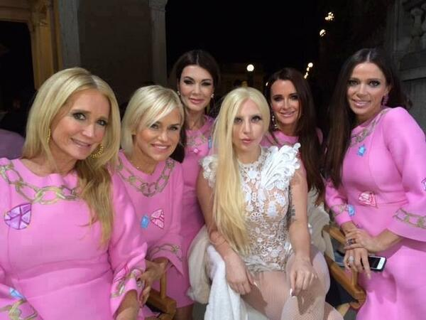 Lady Gaga with Beverly Hills Housewives on set of G.U.Y music video http://t.co/fuYwfAjIBW
