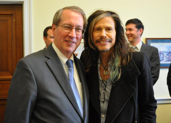 Enjoyed meeting with Steven Tyler @IamStevenT to discuss the importance of #copyright protections! http://t.co/doZ8ka0Fc7