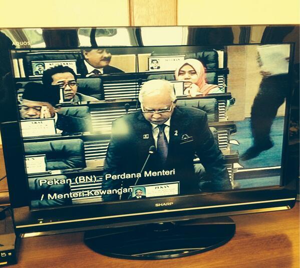 Parlimen 25/3: PM sedang bentang usul khas takziah kepada mangsa MH370 http://t.co/ViB0GVE7xd