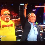RT @HashtagChris: Two LEGENDS. Arnold @Schwarzenegger & @HulkHogan #RAW #RAWBrooklyn #Hulkamania http://t.co/BAGw1P6UZc