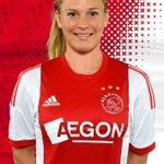 Happy birthday Claudia van den Heiligenberg (@CvdH1985)! De aanvalster van de #AjaxVrouwen is 29 geworden! http://t.co/Knxn56gHNq