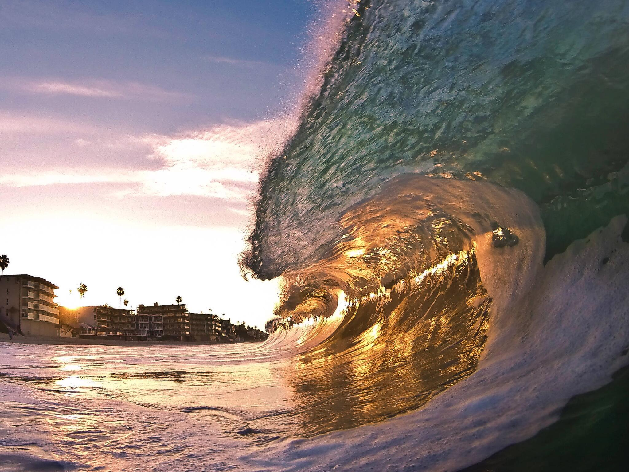 This sunrise barrel was captured by @smitherspix. http://t.co/ZDfTBiIitu