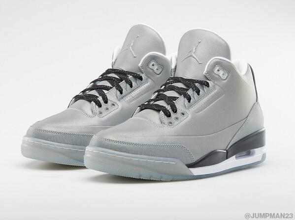 Reflective Metallic Silver expands the Elements collection with this '5LAB3' on Saturday. http://t.co/9xaQmhZwtX