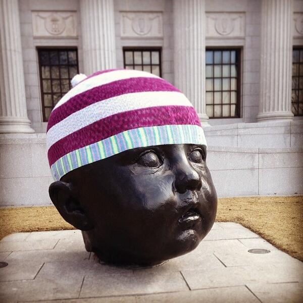 Who do we have to thank for stylish new hat? Let us know – we'd like to say thank you! #yarnbombing #artrocks http://t.co/WXOKN0WLpD