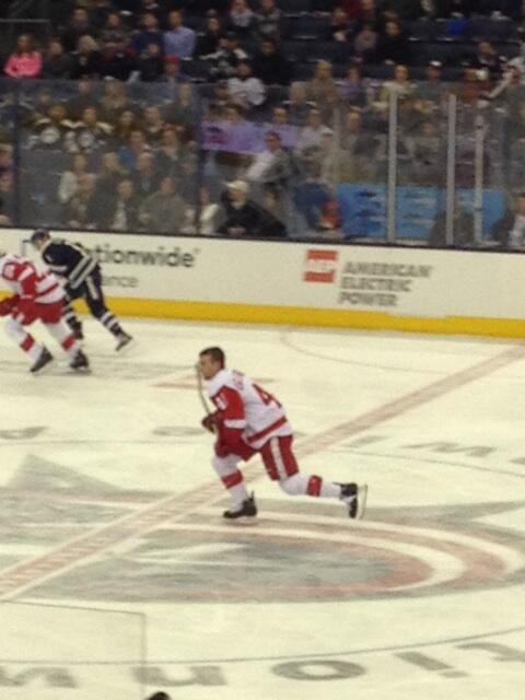 Old school hockey! RT @TimCary: PHOTO: No helmet, no problem! cc @EyeOnHockey http://t.co/QUKVmS3Zyb