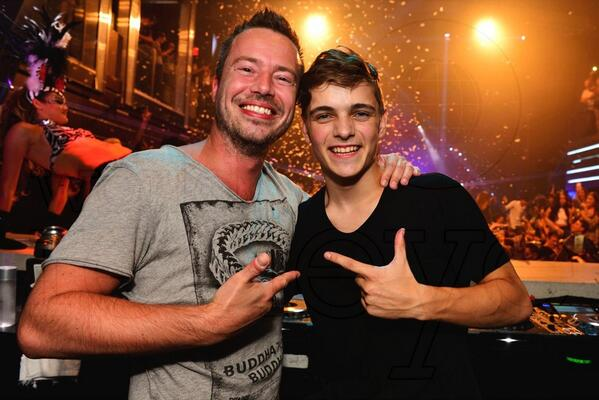 Supporting @MartinGarrix at his first own party @LIVmiami last Monday! #proud #startofaweeklonghangover http://t.co/hPMweQOVlc