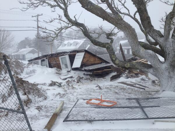 Building collapse near Chatham Light due to strong wind @JimCantore was antique building under construction http://t.co/SJlgYNeGYw