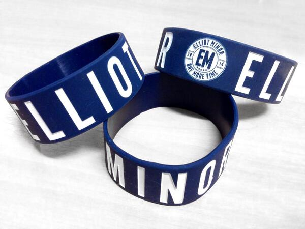 #EMonemoretime WRISTBAND GIVEAWAY!! Just RETWEET this to be in to win one! http://t.co/pb98SkACeL - Closes 11pm http://t.co/BnTG1SLk18