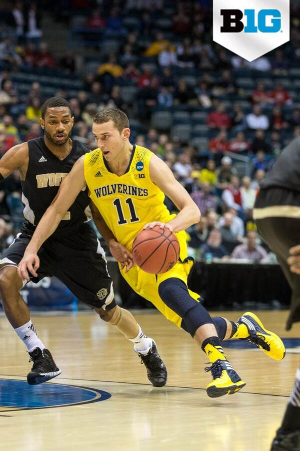 Nik Stauskas of @umichbball has been named a First-Team All-American today by @NABC1927. http://t.co/EYgU3n4GBV